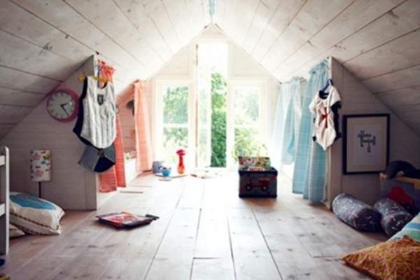 Amazing design of children's rooms in the attic - wonderful loft in the style of the country