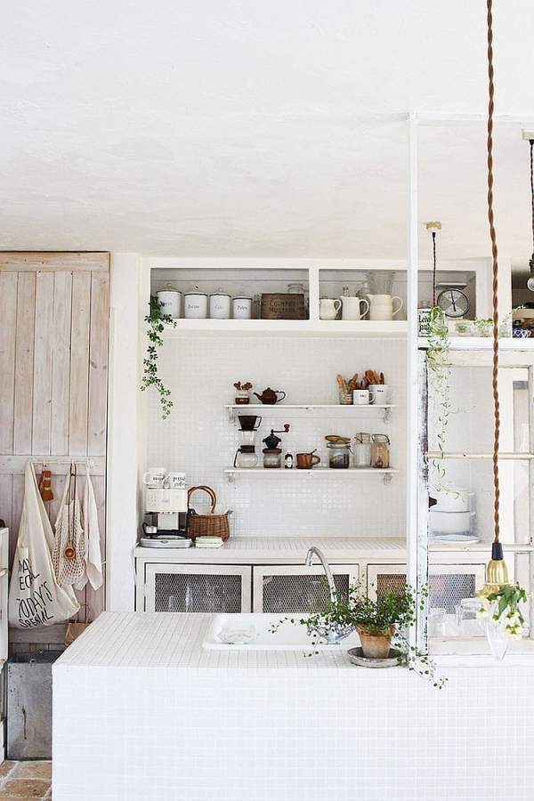 Cozy and elegant options for the interior of the kitchen in the style of cheby-chic