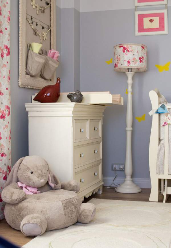 Discovering the World - a wonderful interior room for a newborn girl in light colors