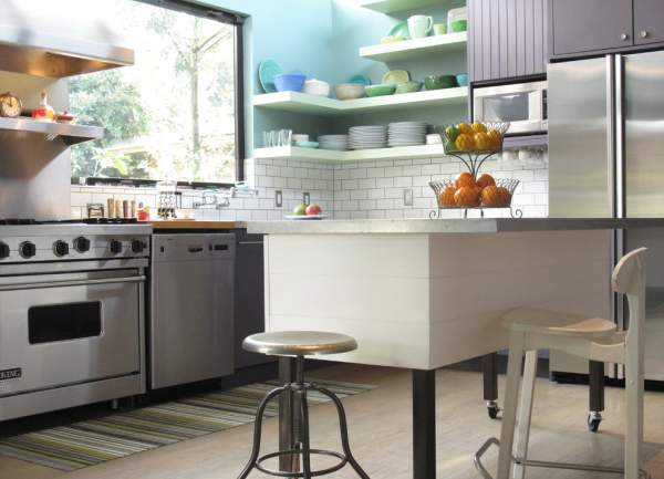 Fashion trends in kitchen interior design - an example of the transformation of a boring space