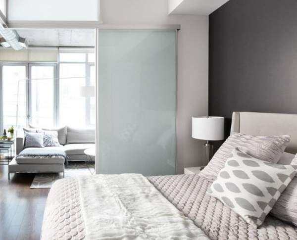 Gray in the interior of the bedroom