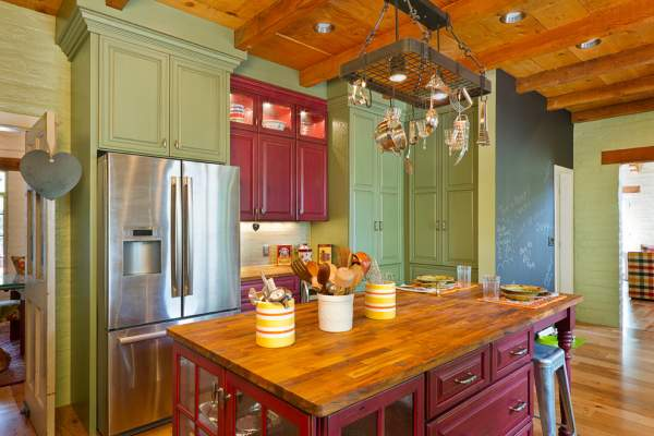 Green color in the interior of the kitchen: choose the shades for a spectacular design