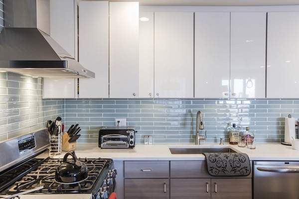 How to give a modern look to the kitchen? Revision of the outdated interior