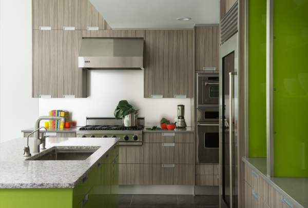 Kitchen in the spring palette - an individual design approach in the organization of space