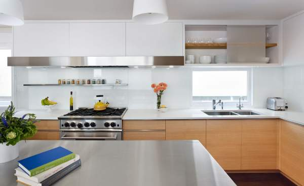 Modern lighting design of the kitchen interior - interesting design solutions with natural lighting
