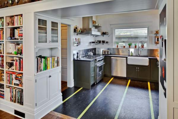 Renovation of the interior in the old house - bold re-planning of the kitchen in a modern style