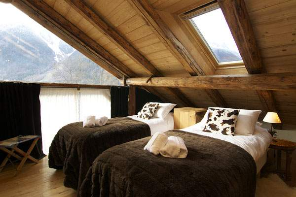 Rustic style for the design of a modern bedroom: 21 variant of delightful interiors