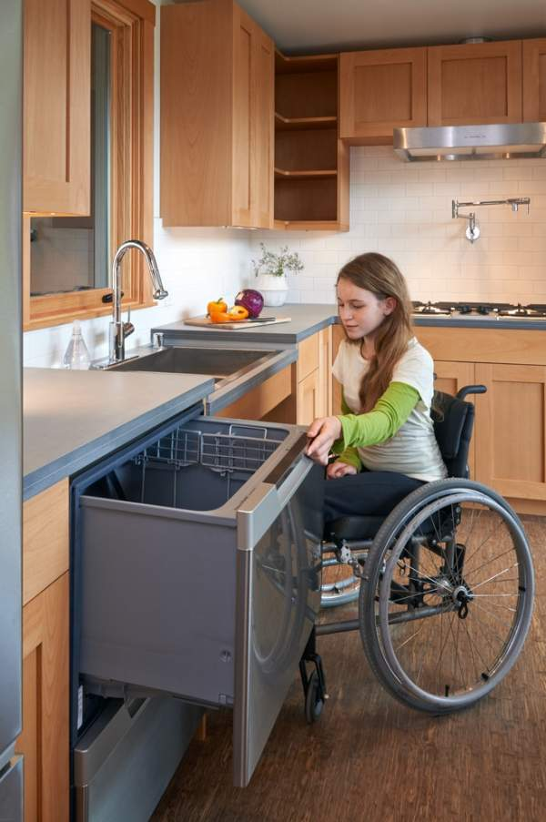 Special kitchen design: a beautiful and functional compromise between the wishes of the average person and the needs of the disabled person