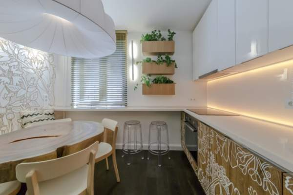 Stunning kitchen interior 12 sq. M. m in white and brown tones - a wonderful example of ergonomic design