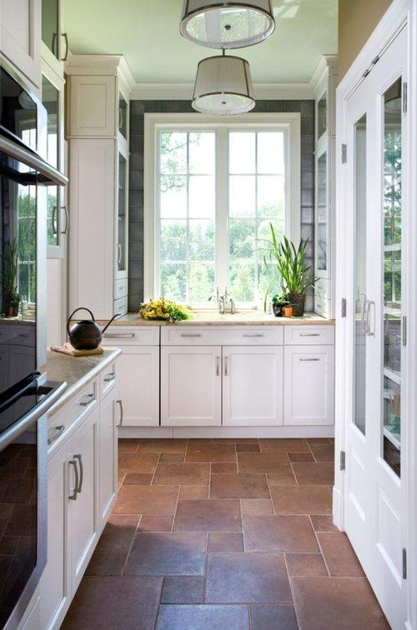 Tiled floor in the kitchen: 5 ways to translate the idea