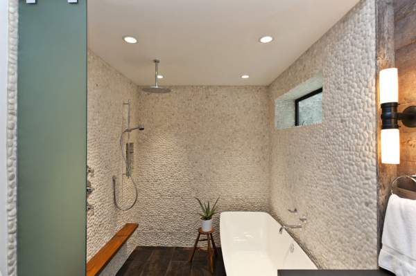 Variants of the design of walls in the bathroom