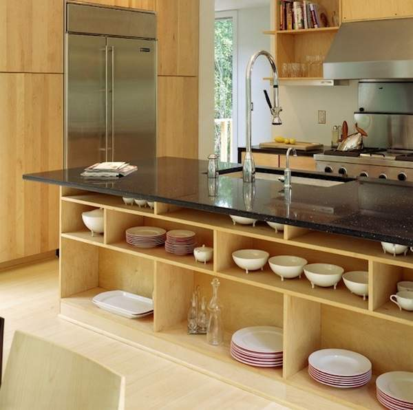 We use open shelves in the interior of the kitchen - nice and comfortable
